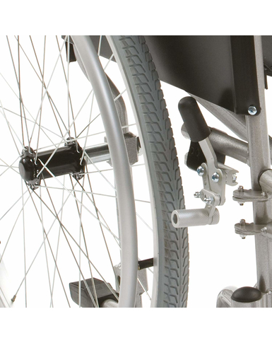 Lightweight 18'' Self Propelled Wheelchair brakes