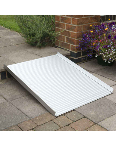 Roll up wheelchair ramp